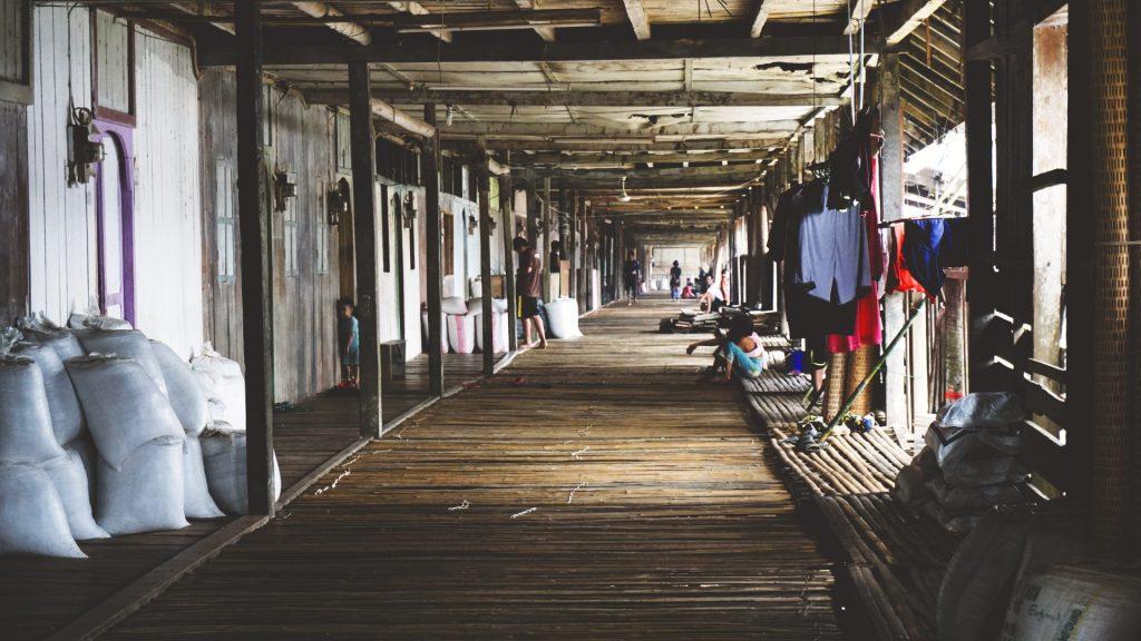 malesia borneo longhouse
