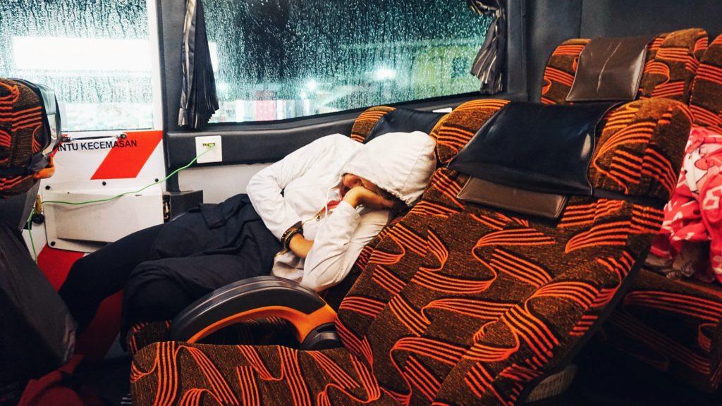 malesia night bus